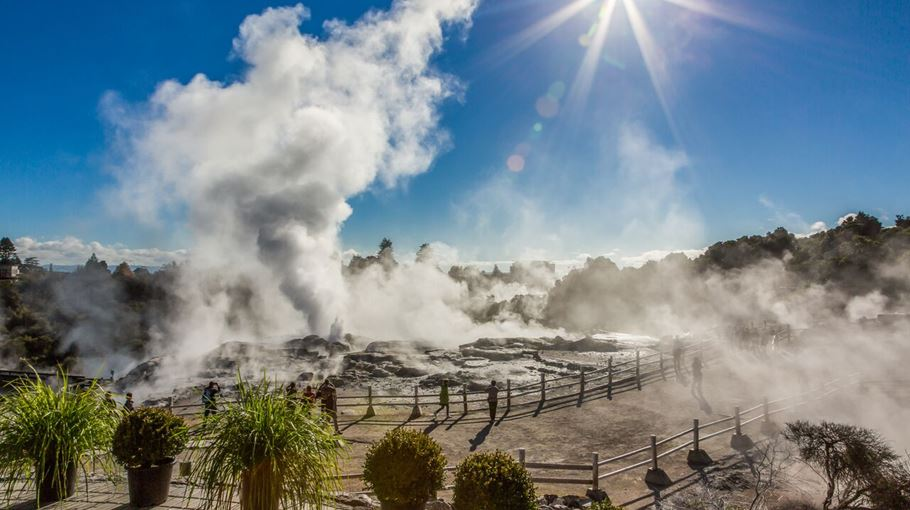 Rotorua and Surrounding Lakes Tours New Zealand Maitravel